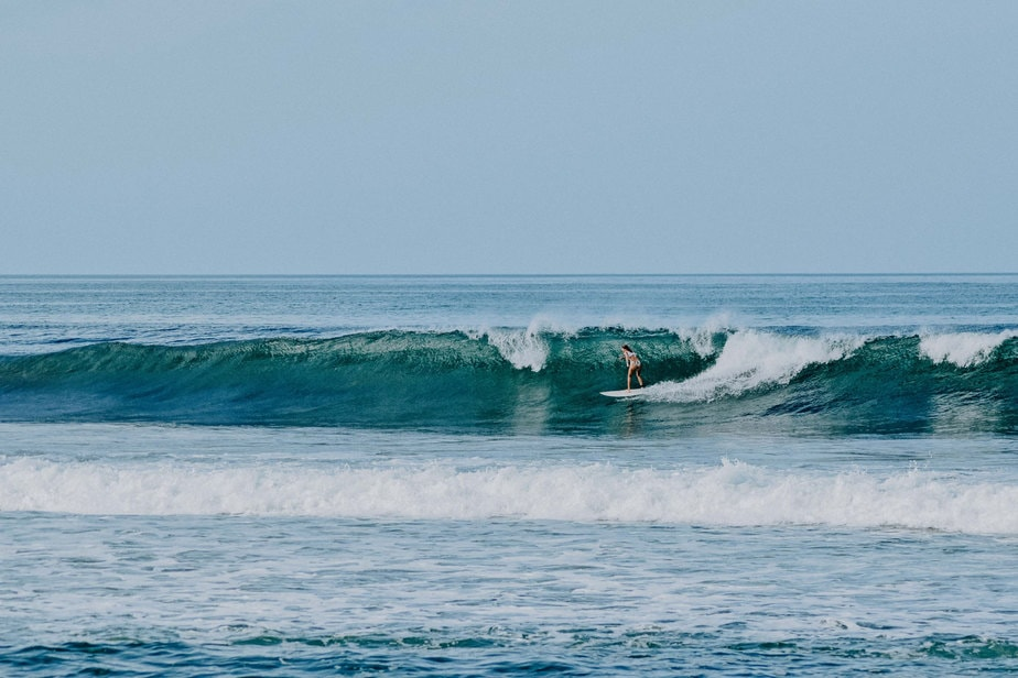 surfpackage-advanced-surfing-in-el-transito-leon-nicaragua-nimbu-surfhouse