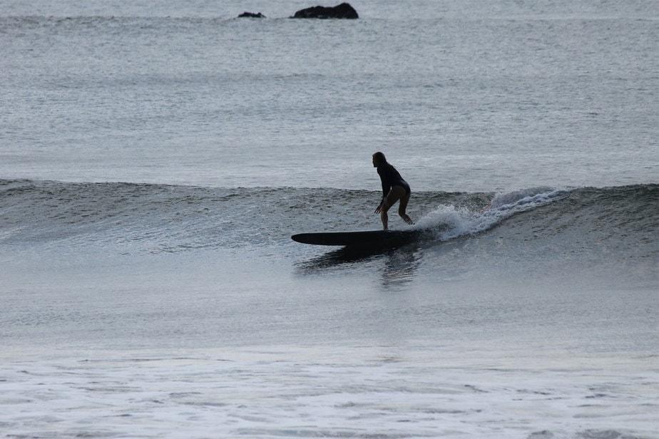 Waves-in-el-transito-leon-nicaragua mainbreak-picture-1